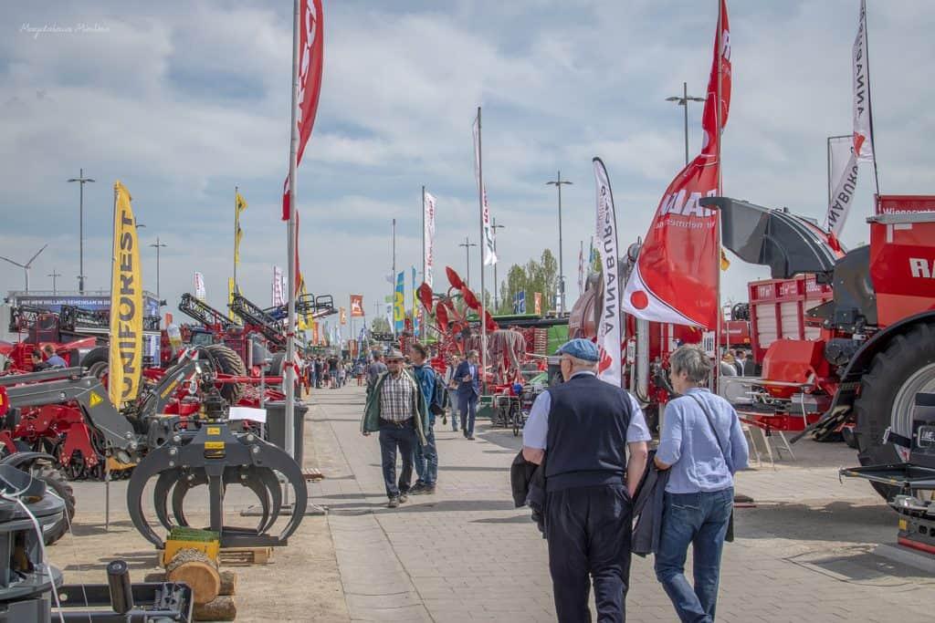 Odwiedzający jedne z największych targów rolniczych w Niemczech